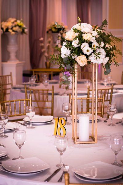 Dekoracija na stolu